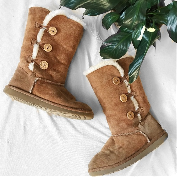 5e96506e66d Authentic UGG Brown Sheepskin Button Up Boots
